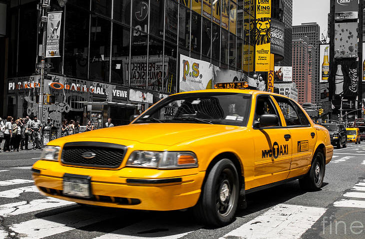 yellow-cab-at-the-times-square-hannes-cmarits-001