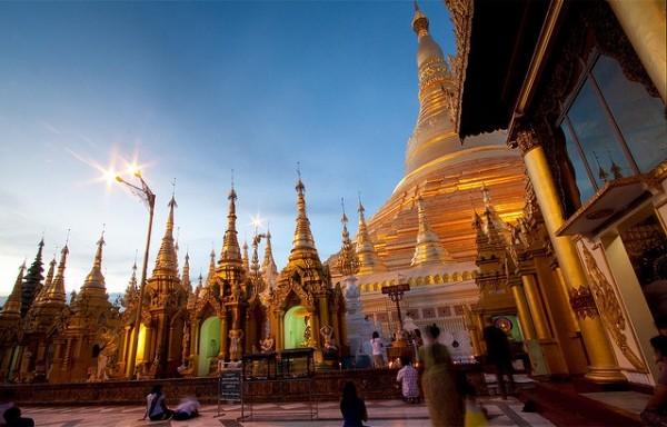 Mua vé máy bay đi Myanmar giá rẻ ở đâu?