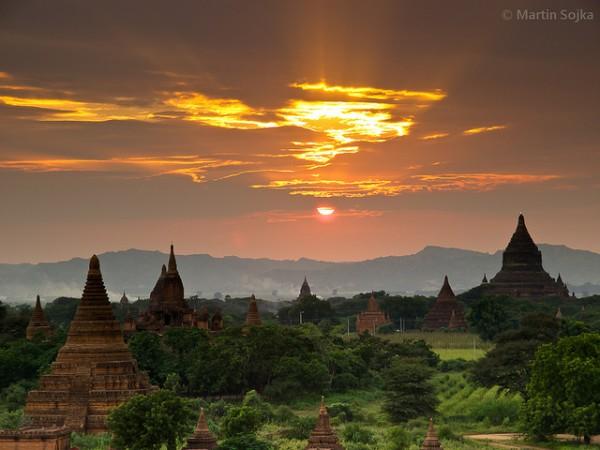 Màu thời gian ngưng đọng tại cố đô Bagan