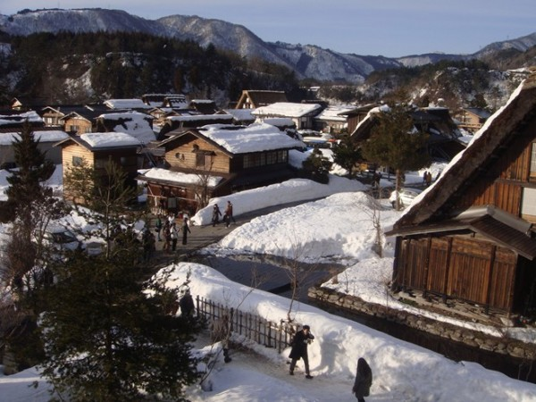 mot_goc_lang_co_Shirakawago_1
