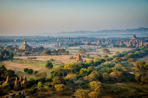 Trải nghiệm bay cùng khinh khí cầu ở Bagan