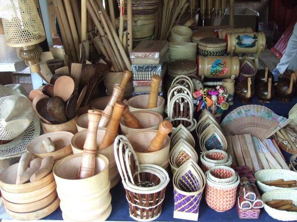 Nên mua quà gì khi du lịch Indonesia?