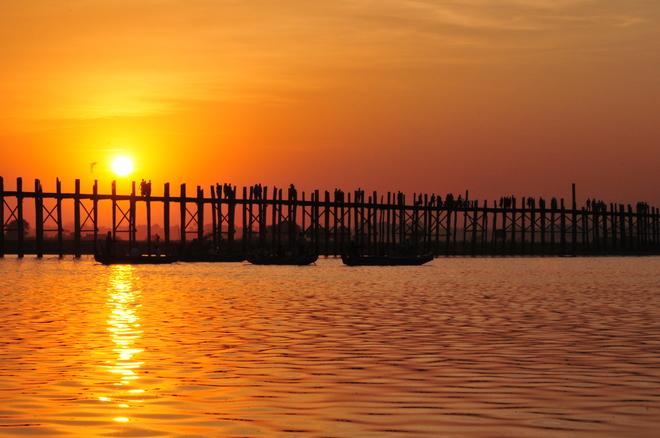 cây cầu gỗ Ubein