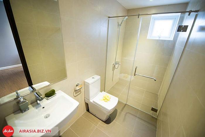 tho than toilet1