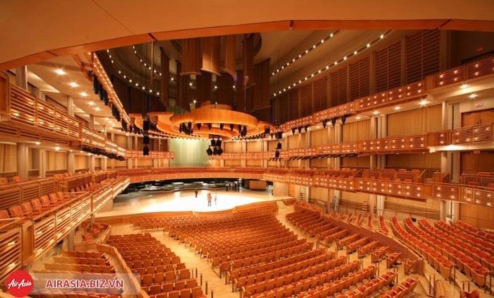 nha hat opera house