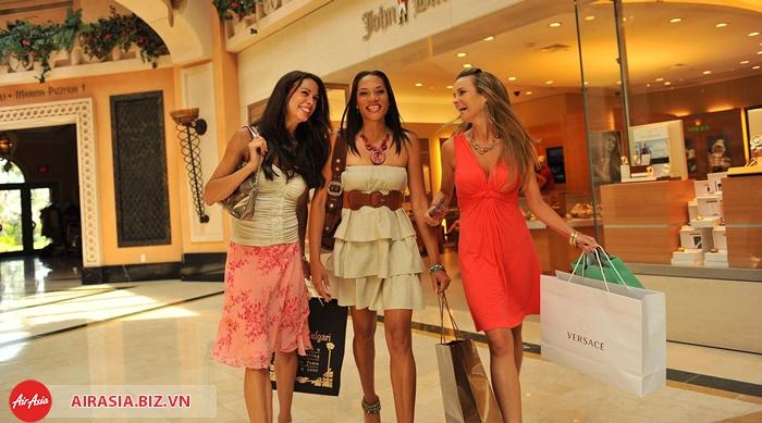 Mua sắm mùa giảm giá ở Thái Lan