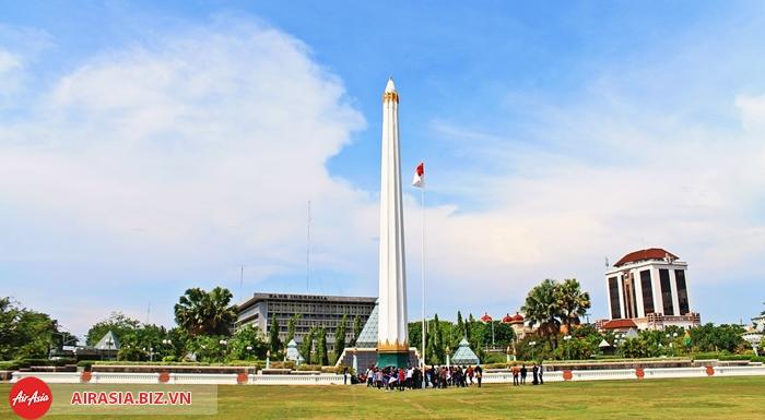 tượng đài Tugu Pahlawan